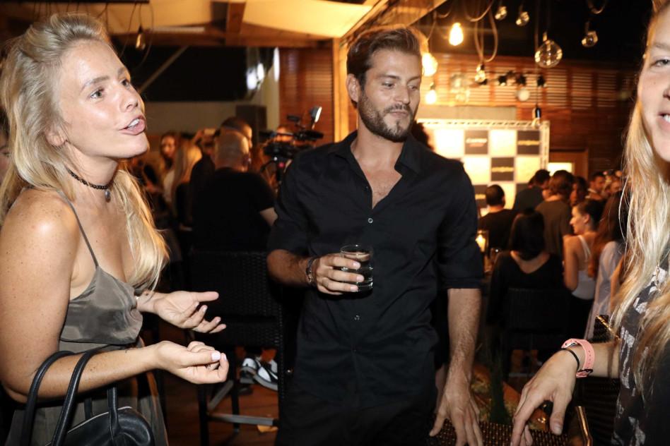 נראה שזה התחיל בסדר. מונדה קנצפולסקי עם אדריאנו חאובל והבלונדינית (צילום: אמיר מאירי)