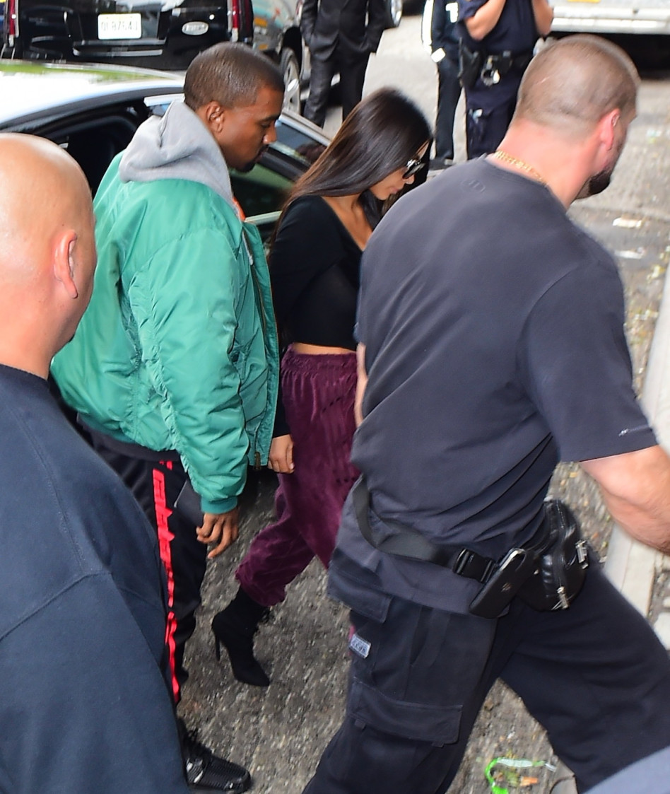 תמך בה. קניה ווסט וקים קרדשיאן, אחרי השוד בפריז (Splashnews)