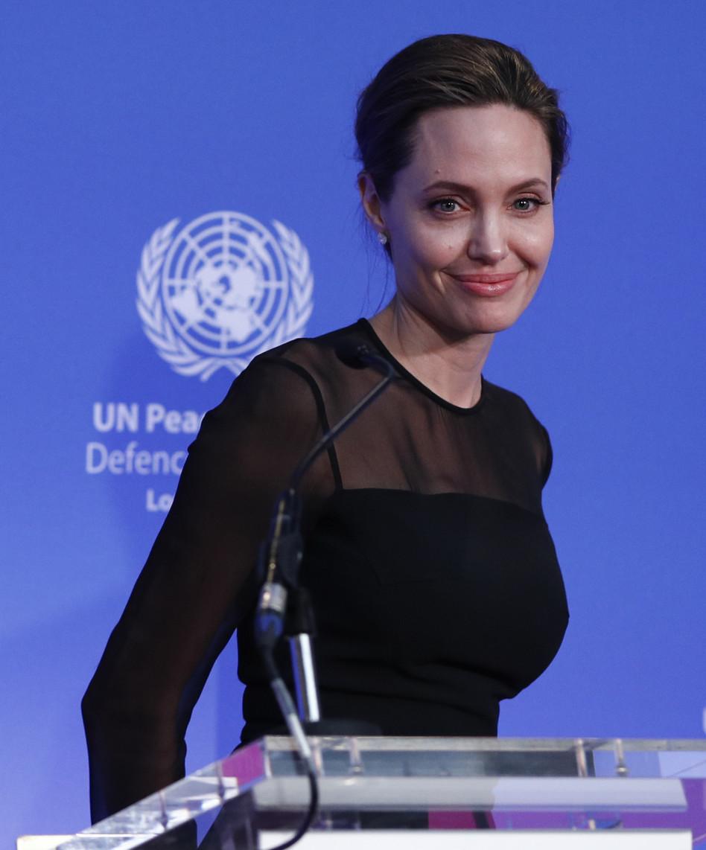 """נאמנת האו""""ם ג'ולי נואמת (גטי)"""