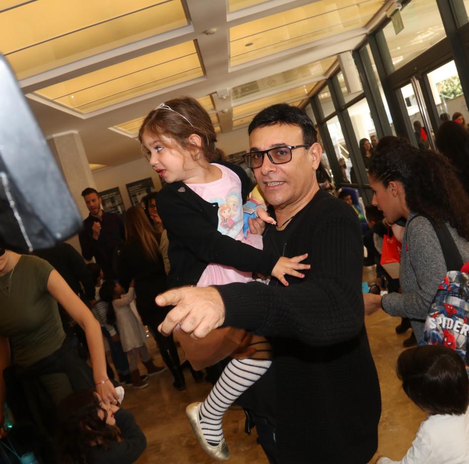 רוני מאנה ובתו