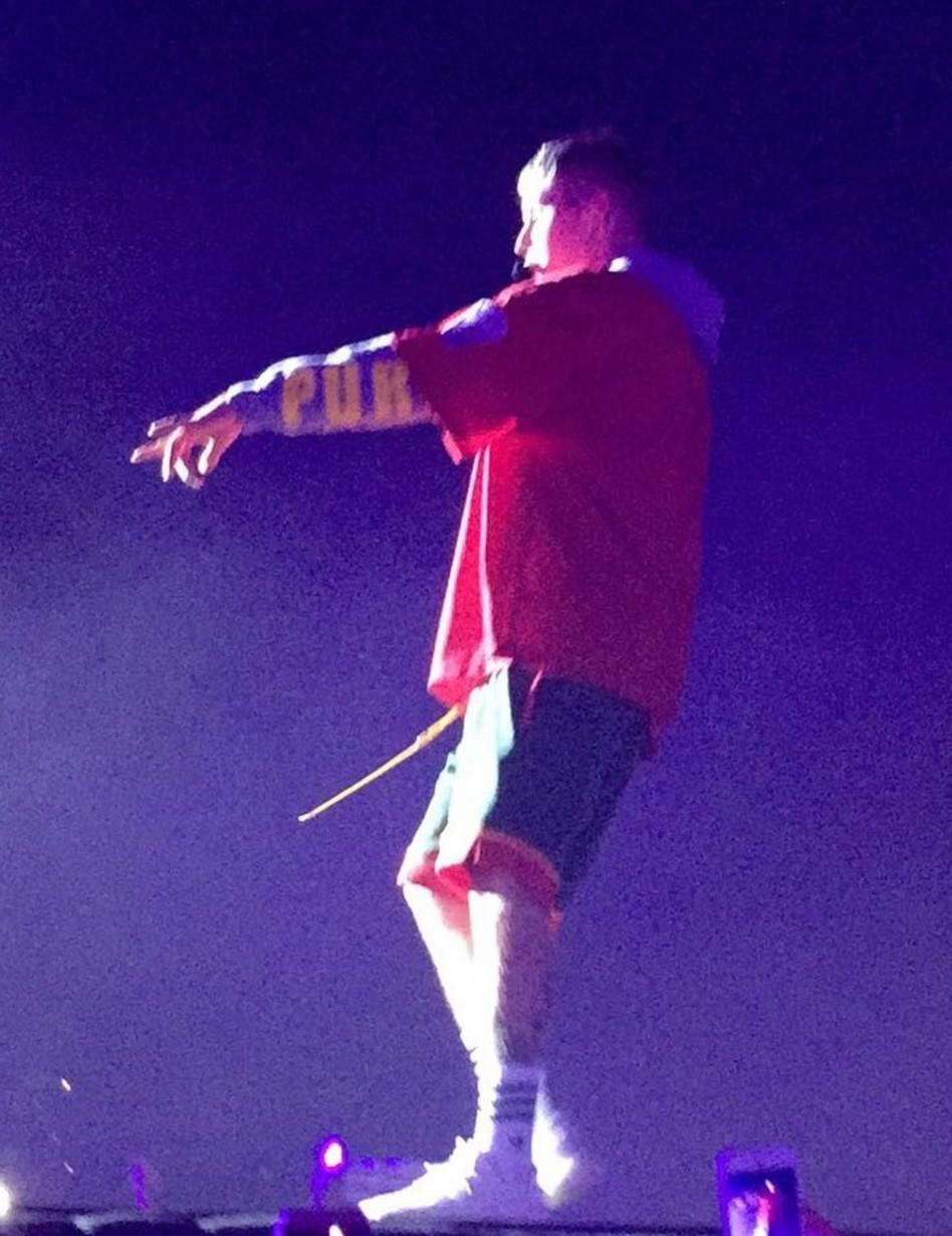 חוגג על הבמה. ג'סטין ביבר. צילום: נעם גרינר