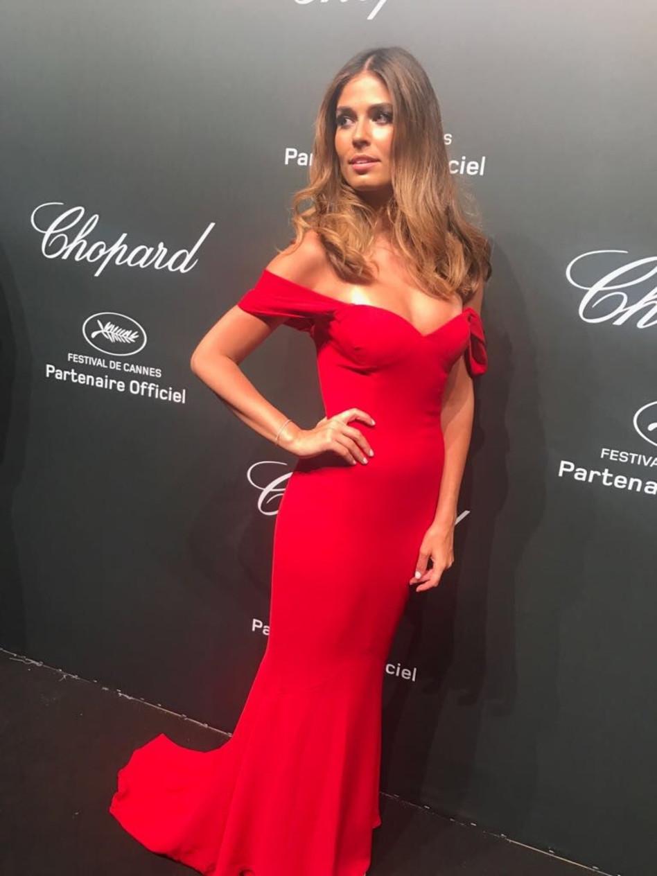 יפה באדום