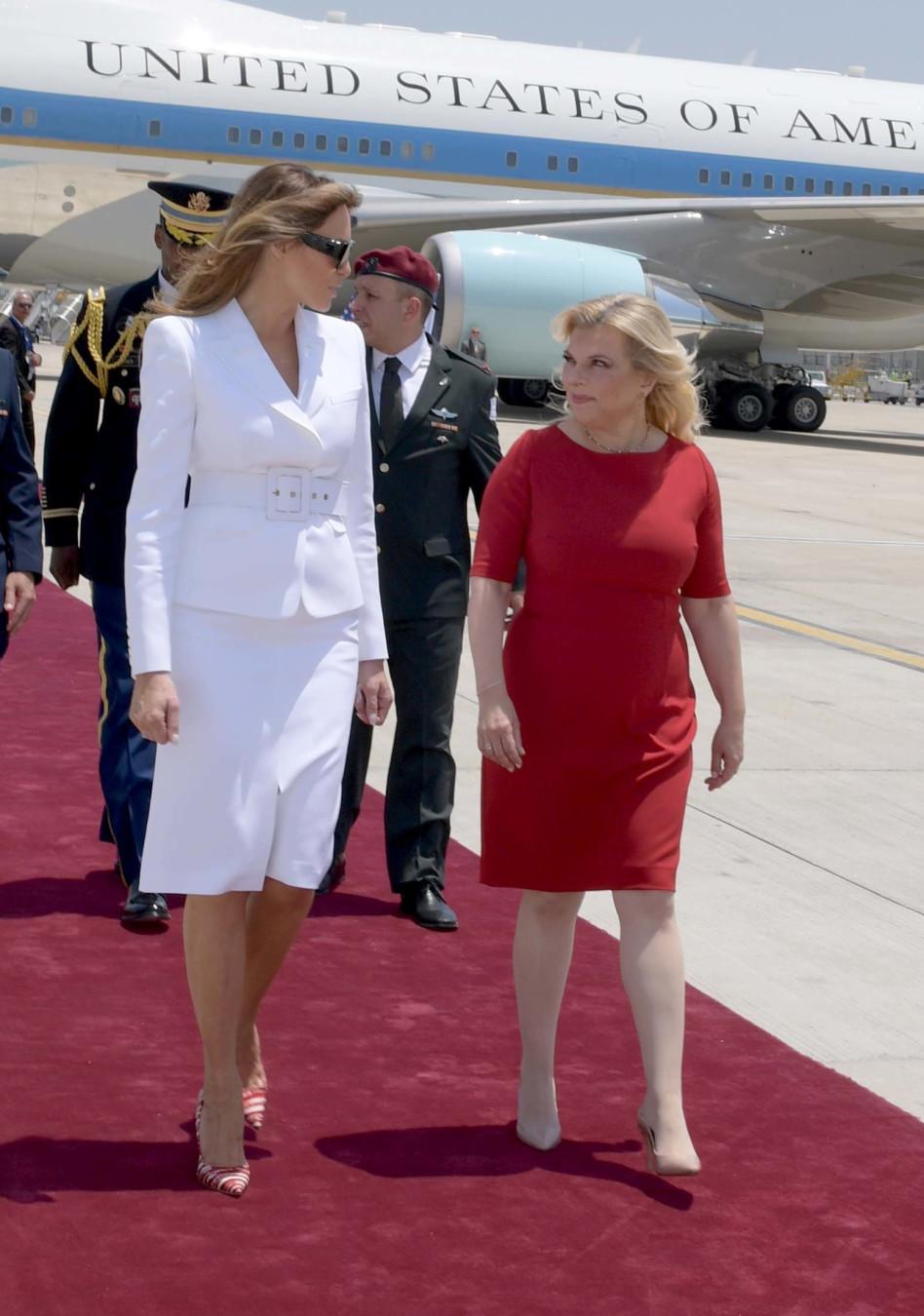 קוברת. שרה נתניהו ומלניה טראמפ