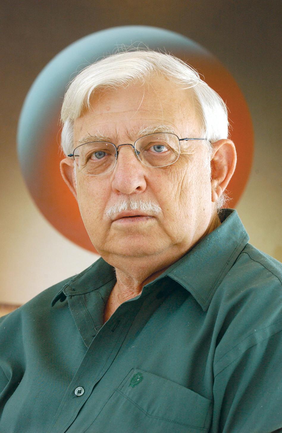 עמוס אטינגר (צילום: ראובן קסטרו)