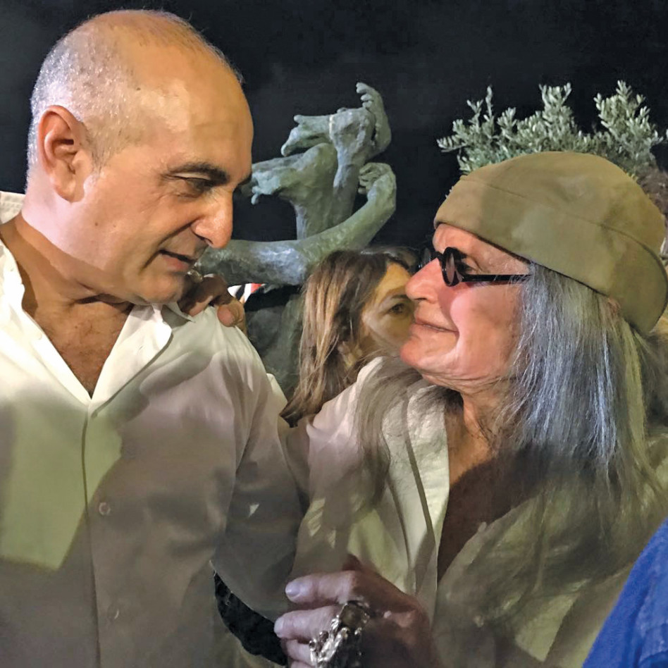 משיקה. אילנה גור ובני רנבי. (צילום: אביב חופי ורפי דלויה)
