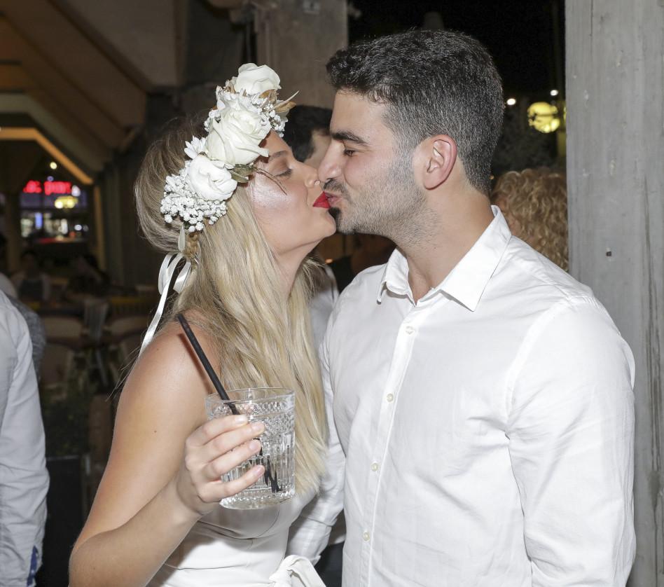 יתחתנו באוגוסט. בר זומר ואביב כהן (צילום: רפי דלויה)