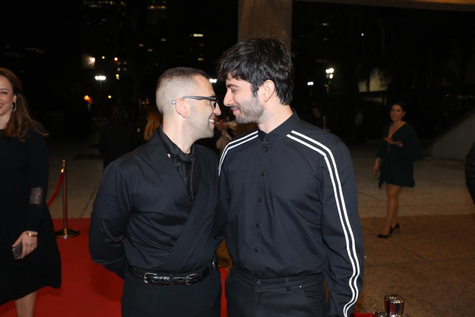 קרובים קרובים. רן דנקר וטום סלמה  (צילום: רפי דלויה)