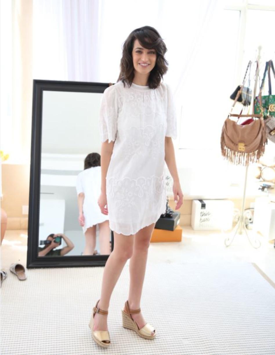 אין טבעת, אבל יש שמלה לבנה (צילום: אלירן אביטל)