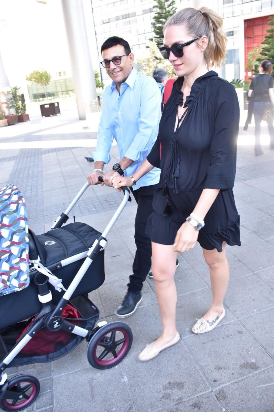 ג'ני צ'רוואני ורוני מאנה אחרי הלידה השנייה (צילום: צ'ינו)