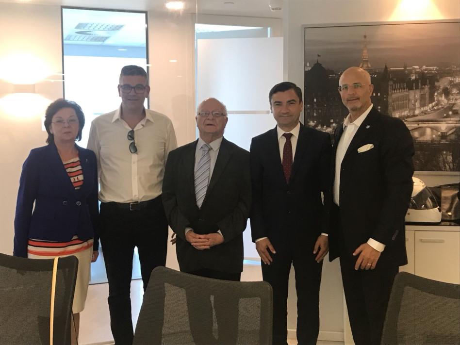 גדעון פישר, מיחאי קיריקה, מיכה חריש, ישראל רייף ומריבלה מירון (צילום: גלי כהן)