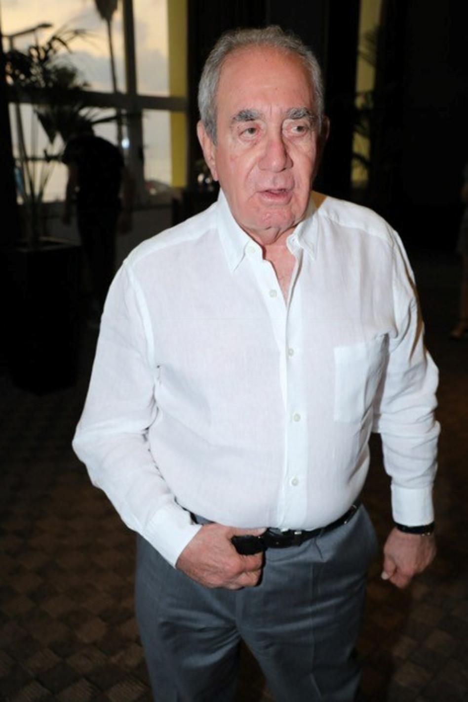אלפרד אקירוב  (צילום: רפי דלויה)