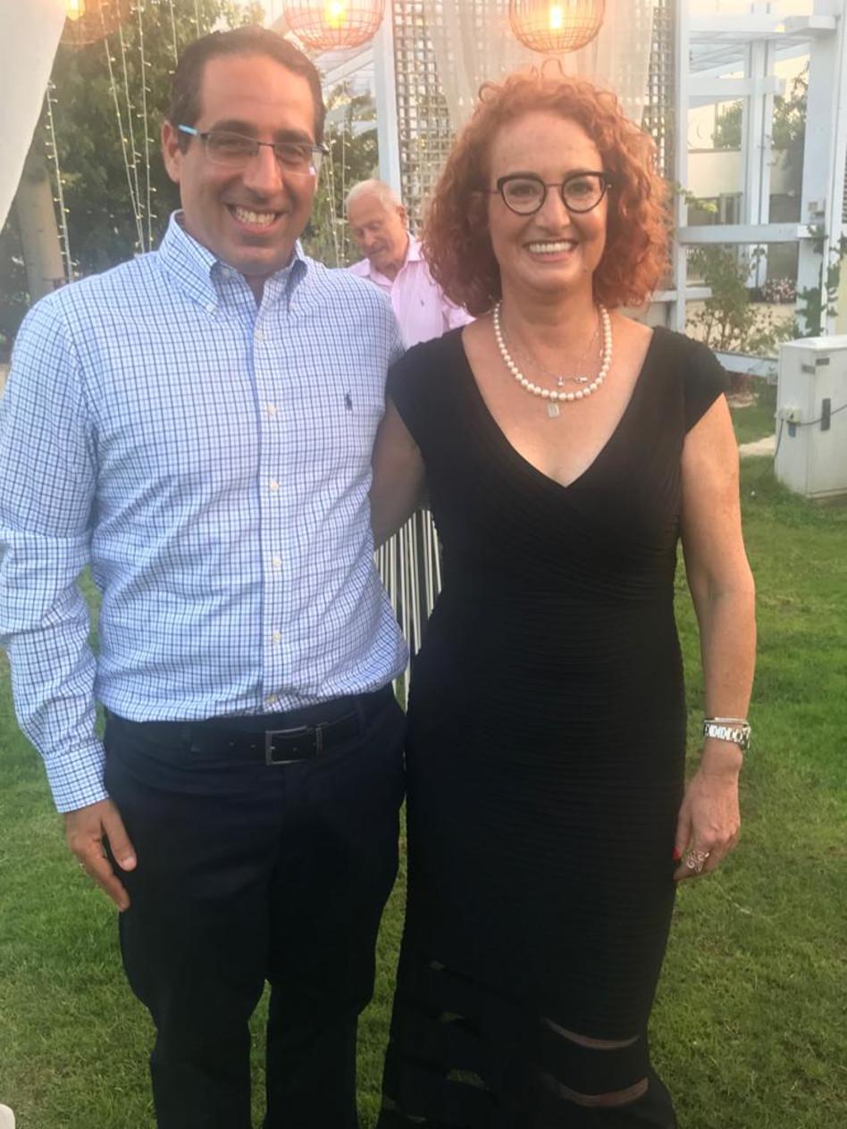 """דליה קורקין בעלים ומנכ״לית עמל ומעבר וד״ר שי חן גל, מנהל תחום בריאות הנפש בעמל (צילום: יח""""צ)"""