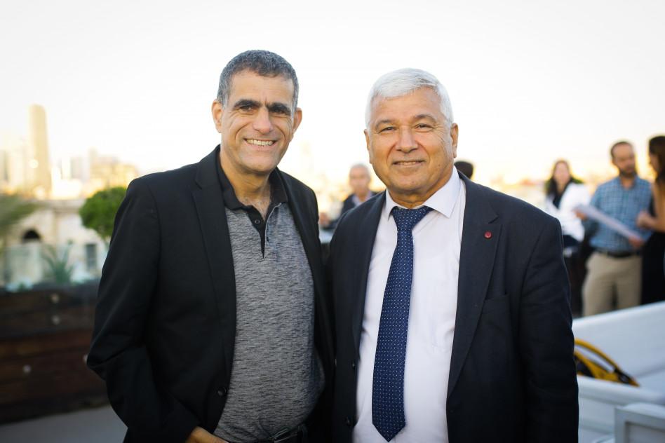 ת'אבת אבו-ראס ומוסי רז