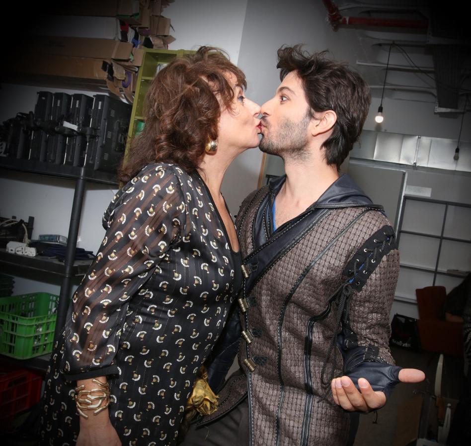 ואפילו זכתה לנשיקה מרן דנקר