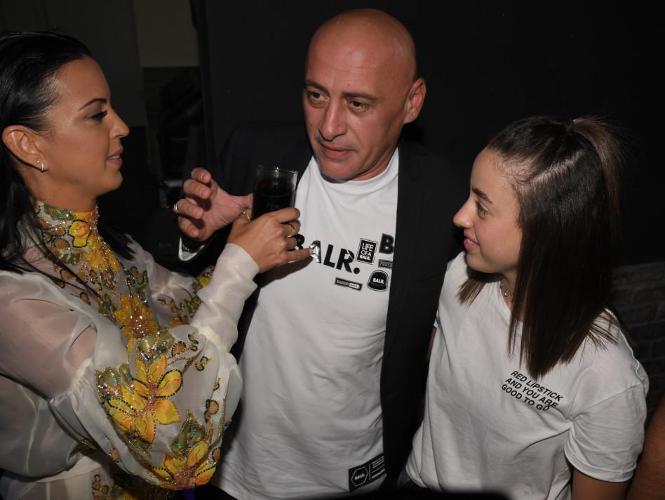 סופרייז! ירון אילן עם אשתו והבת