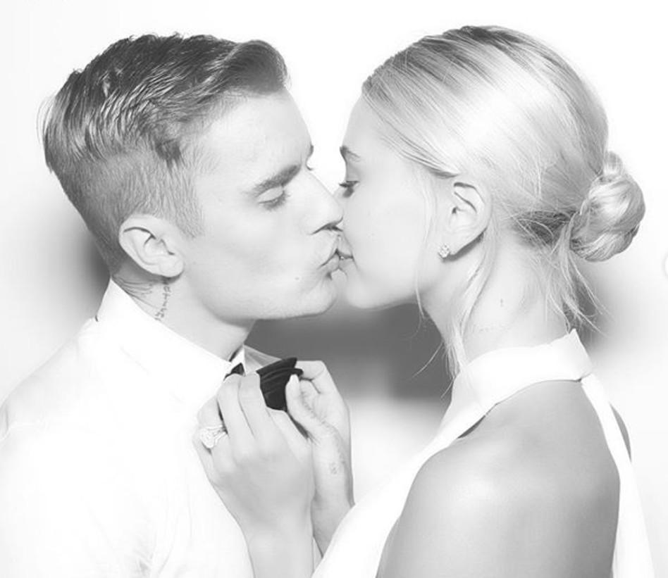 ביבר ובולדווין ביום חתונתם (צילום: אינסטגרם)
