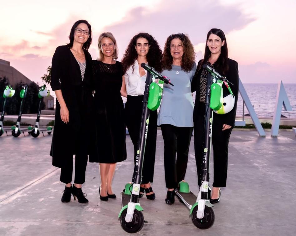 דנה ברוגר, מיטל להבי,שני חסון,עירית זיניגר וענת אייזיק כספי (צילום: תמר רוגבסקי)