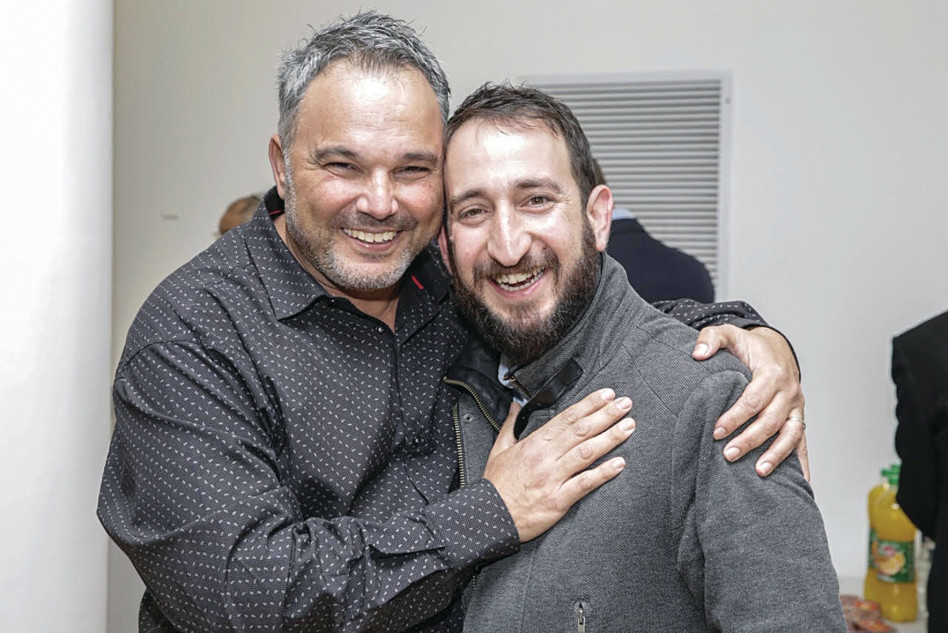 תום כהן ועופר אמסלם (צילום: אבי נישינבר)