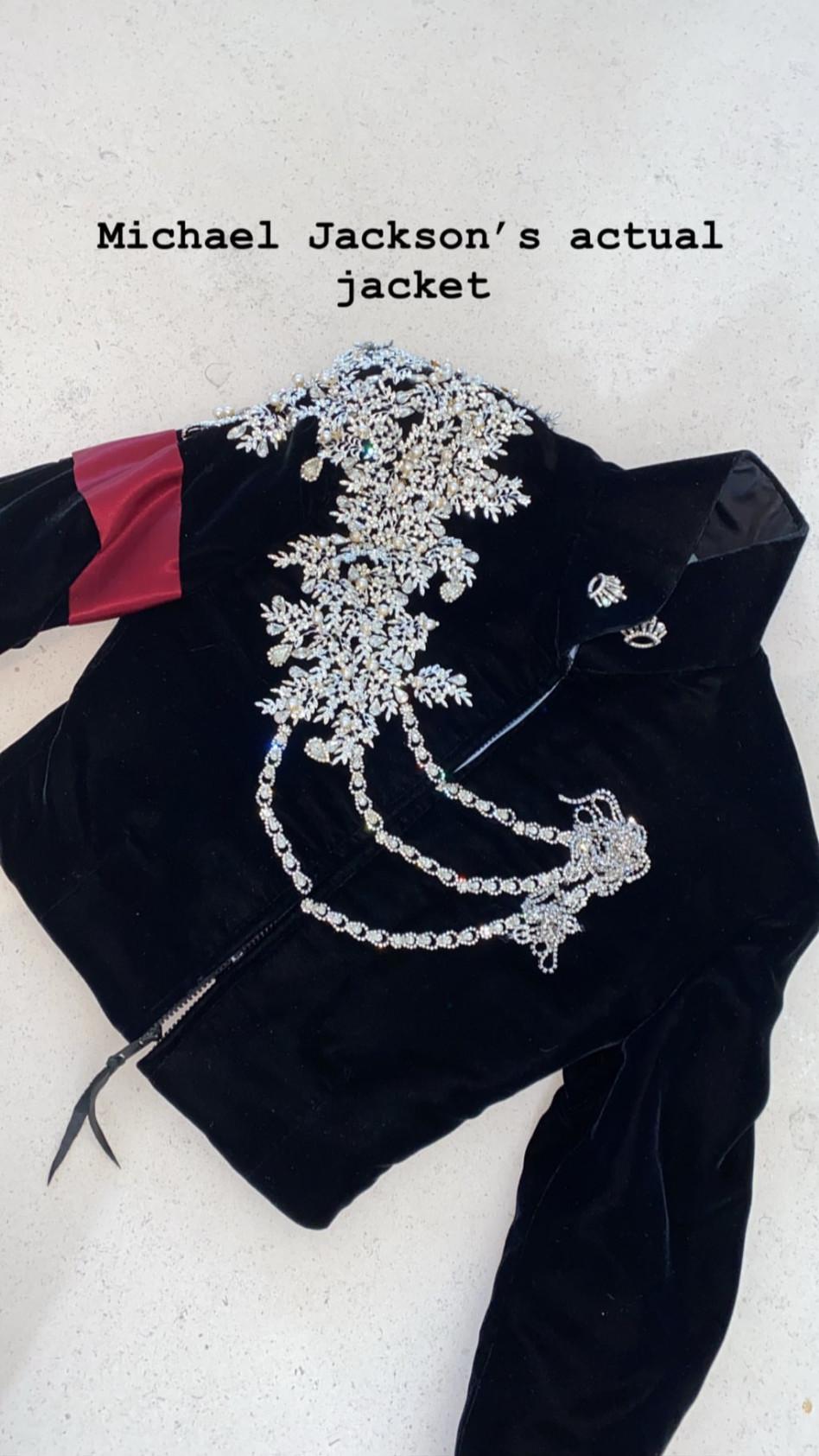 הג'קט של מייקל ג'קסון. סליחה, של נורת' (צילום: אינסטגרם קים קרדשיאן)