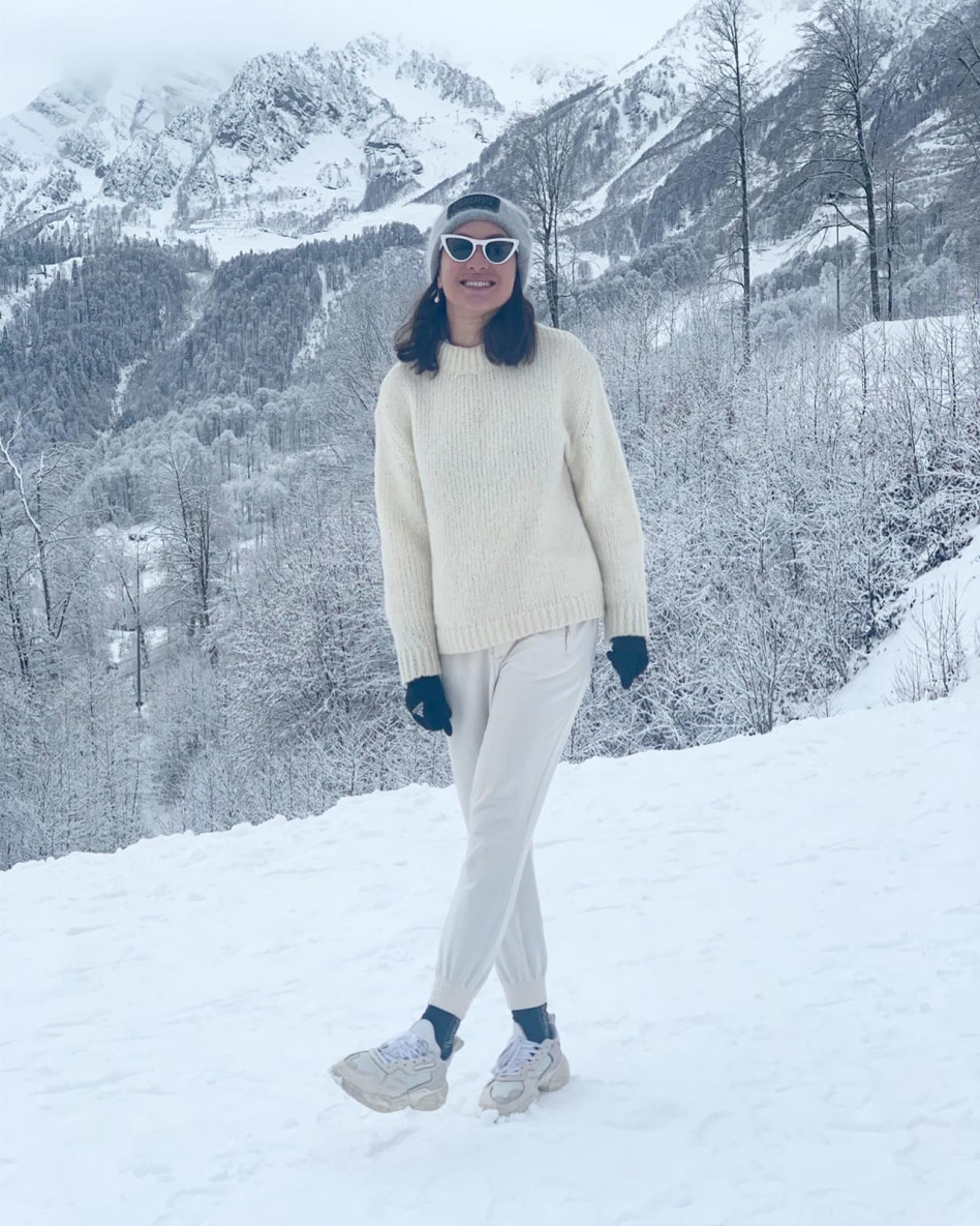 ארונוב נהנית בשלג (צילום: דניאל ישראל)
