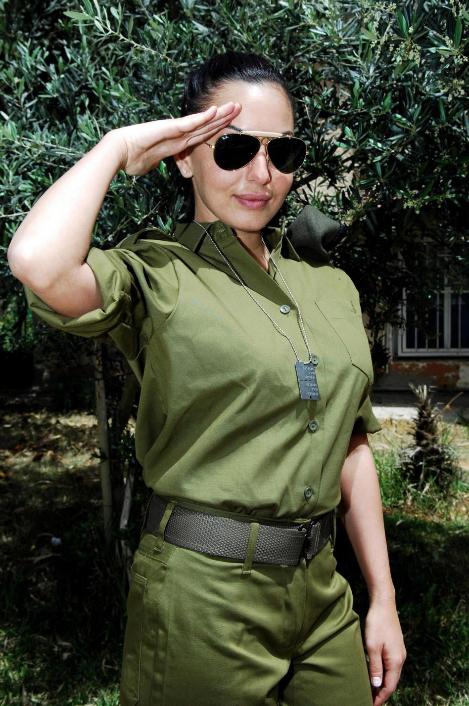 עלתה על מדים בגיל 30. מאיה בוסקילה  (צילום: דובר צה''ל)