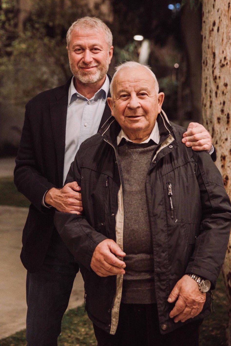 רומן אברמוביץ' עם דודו לייב (צילום: מריהטרויאנקר )
