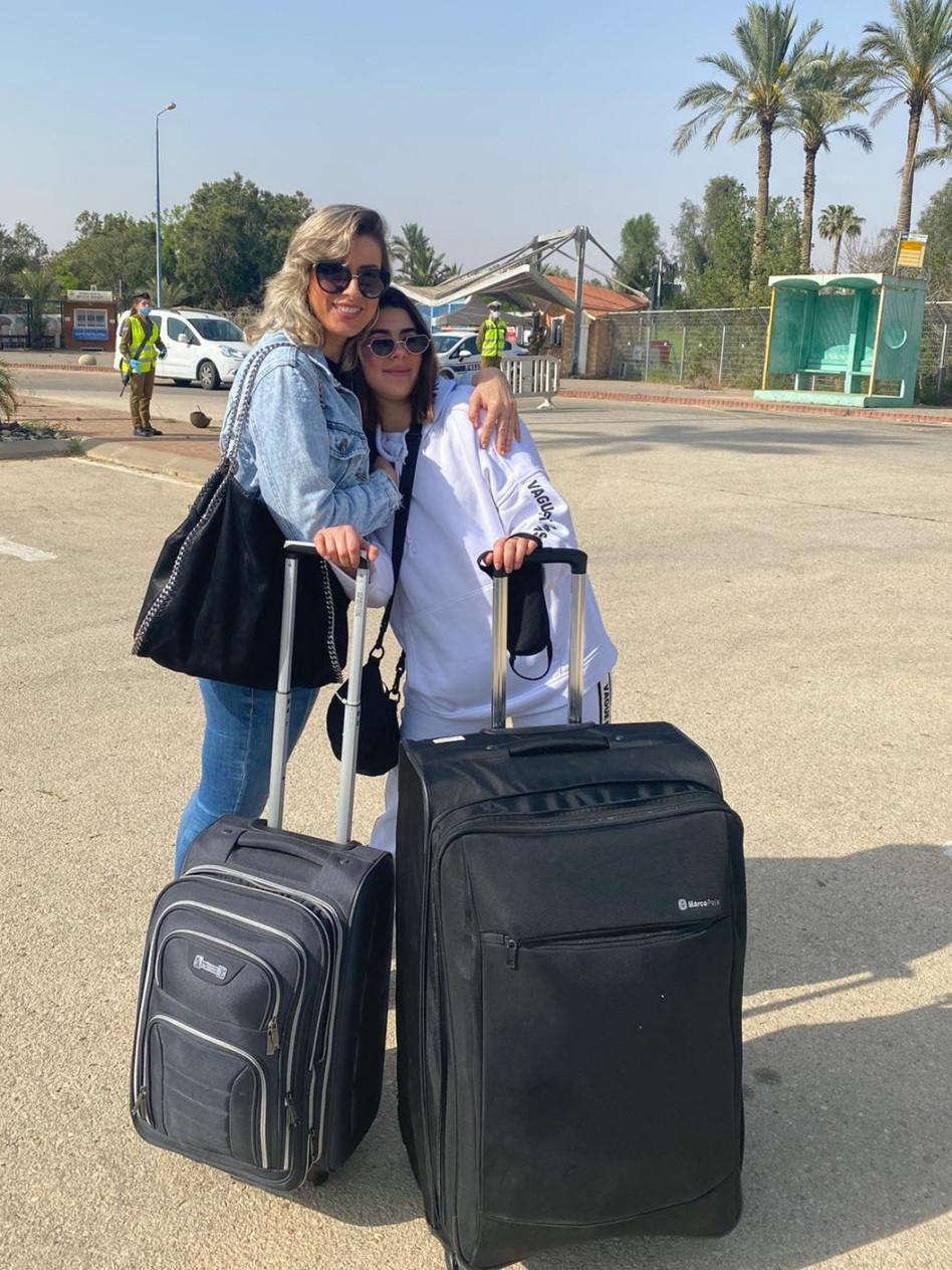 אנג'ל ברנס נפרדת מאמה (צילום: יח''צ)