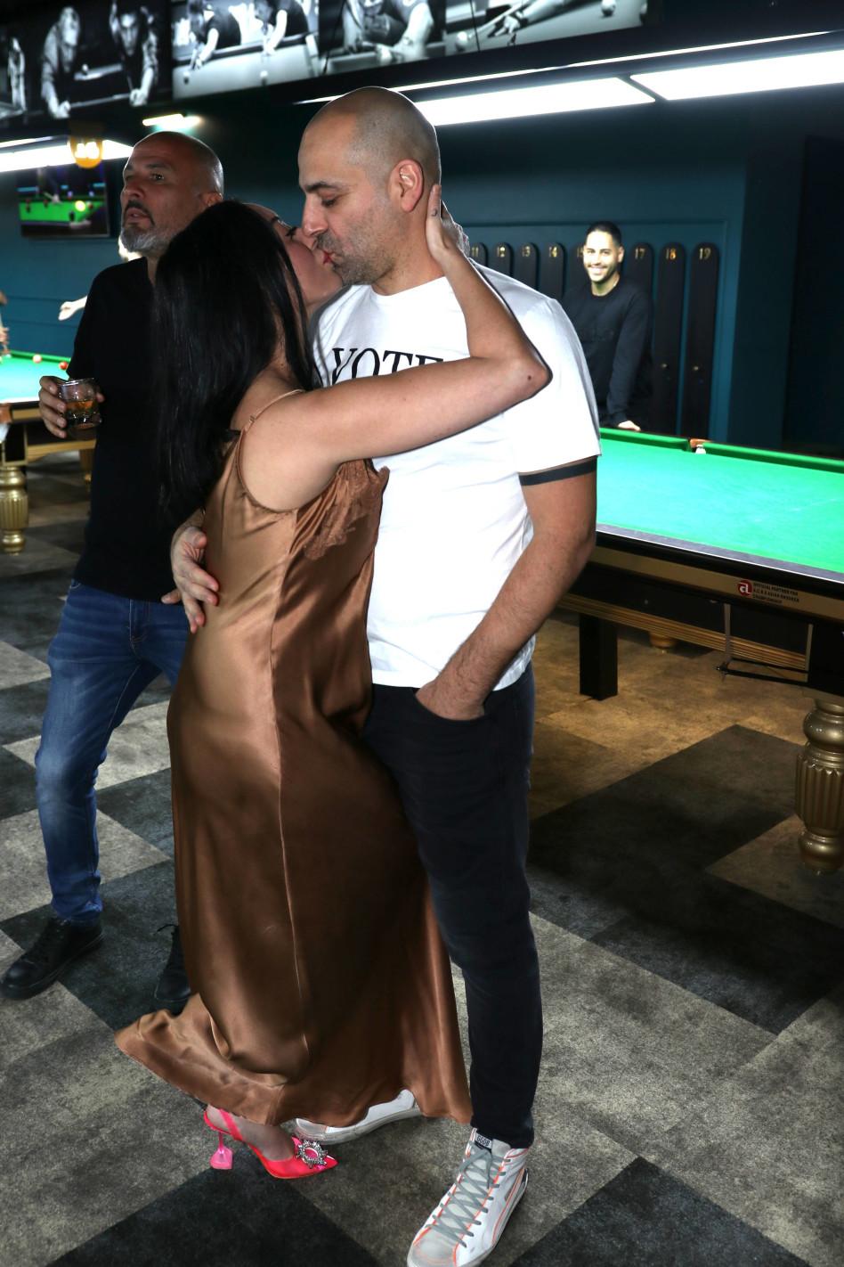 מאוהבים מתמיד. מאיה בוסקילה ובעלה עוזי (צילום: אור גפן)