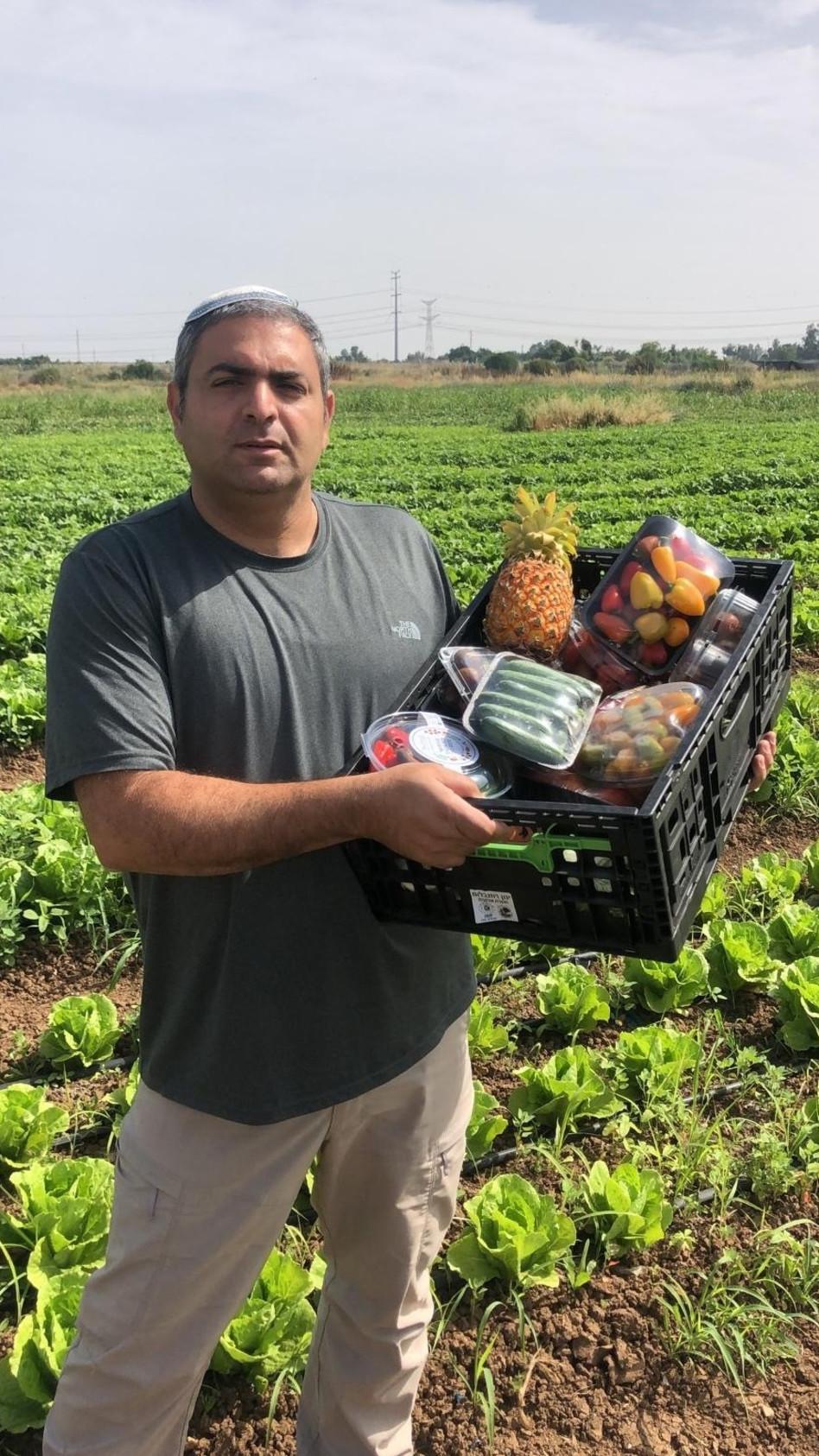 דודו מיכאלי - מגדל ירקות ליד קיבוץ כרמיה בדרום (צילום: פרטי)