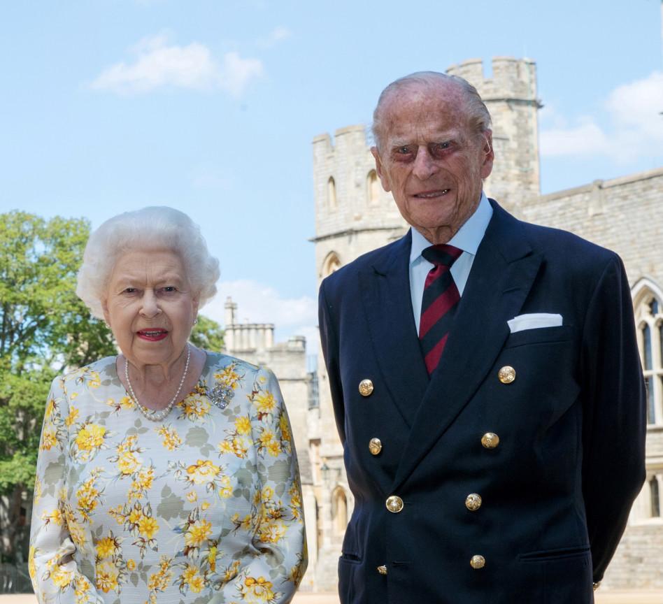 הנסיך פיליפ עם המלכה אליזבת (צילום: רויטרס)