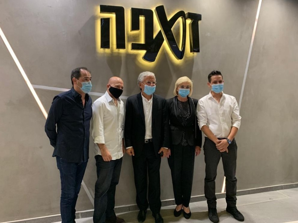 רן שקד, פנינה ומשה אדרי, אסף מור ואיל אדרי   (צילום: בן גבאי)