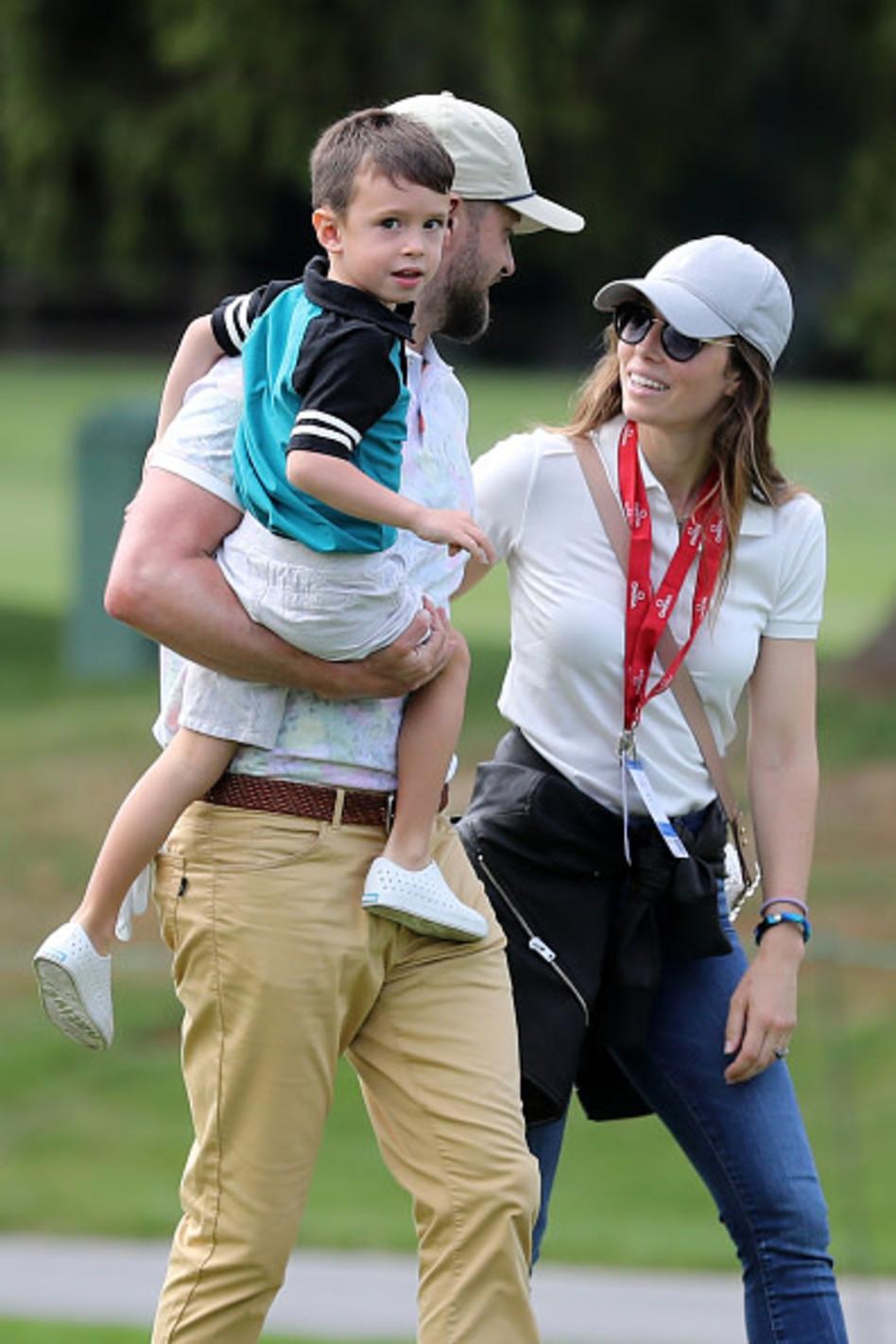 טימברלייק ובייל עם בנם הבכור (צילום:  Stefan Matzke sampics gettyimages)