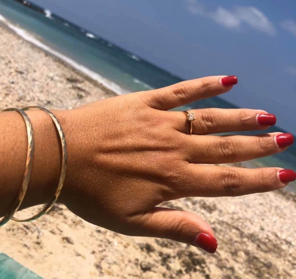 אור סיונוב עם הטבעת (צילום: פרטי)