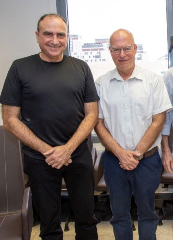 אריאל פורת ויוסי מטיאס (צילום: אוניברסיטת תל אביב)