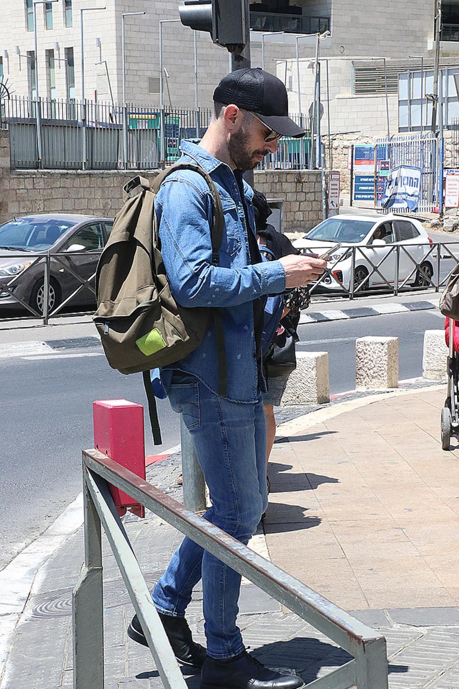 איש עסוק מאוד. חיים אתגר (צילום: פול סגל)
