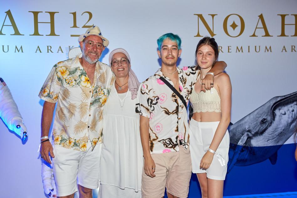 חיים זאנתי, יונתן טופז ומשפחתם (צילום: שוקה כהן)