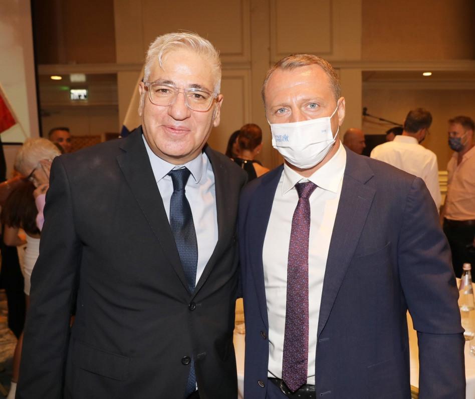 יואל רזבוזוב ואמיר חייק (צילום: רפי דלויה)