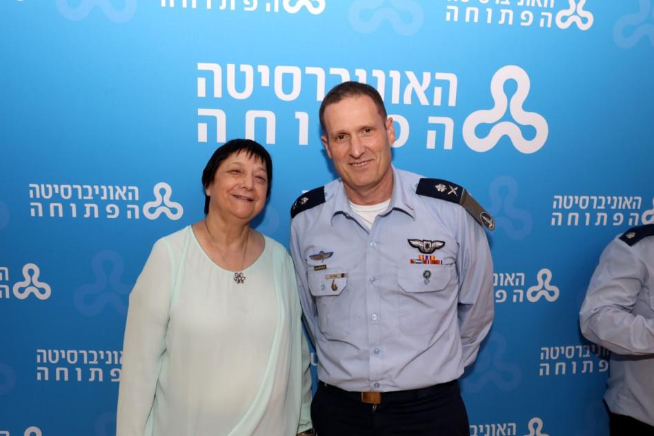 תומר בר ומימי איזנשטדט (צילום: איציק בירן)