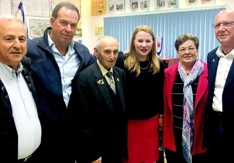 יוצאי לוב ששרדו את השואה נפגשו עם הלוחמים היהודים ששחררו אותם