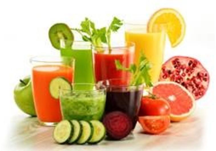 עובדות חשובות שצריך לדעת לפני שאנו מוותרים על אכילת פרי לטובת מיצים טבעיים
