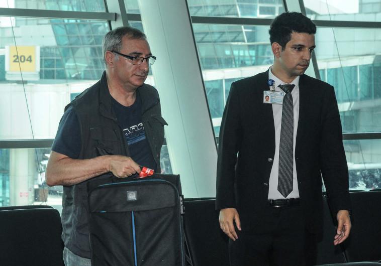 איתן נאה בשדה התעופה בטורקיה
