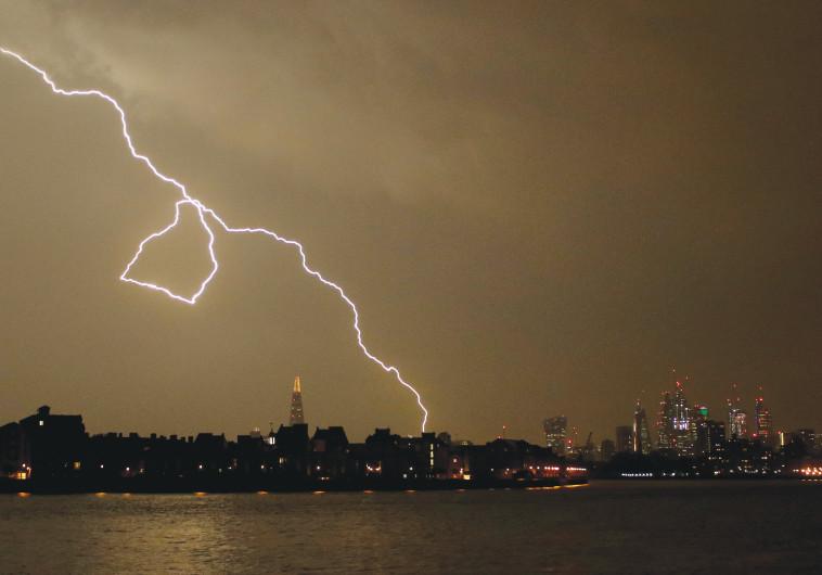 סופת ברקים בלונדון