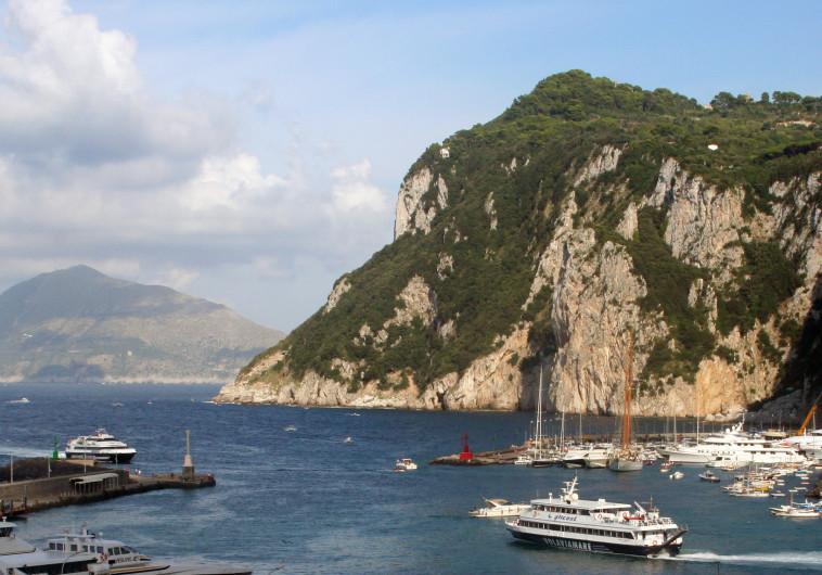 האי קאפרי באיטליה