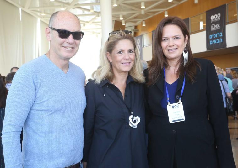 סיגל אדר עם אתי וגבי רוטר (צילום: יעל צור)
