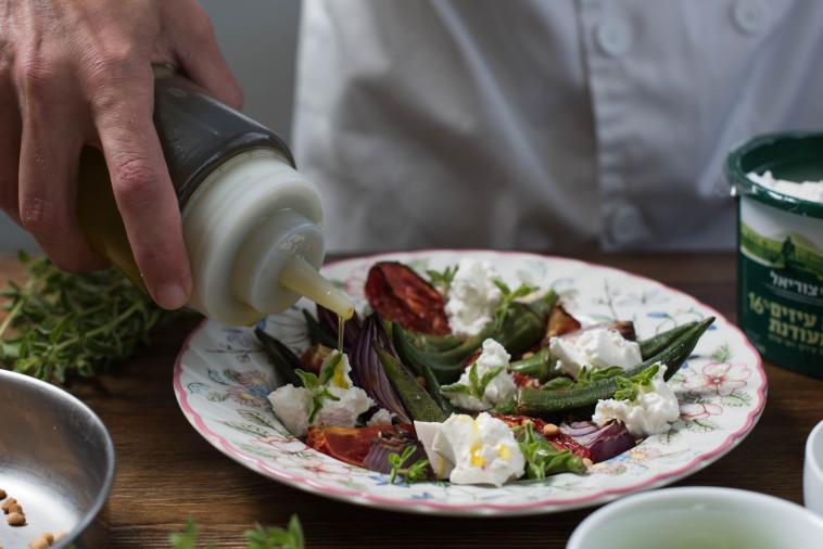 ארוחה גלילית בשילוב משק צוריאל. צילום: נמרוד סנדרס