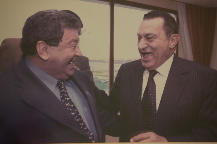 בן אליעזר עם נשיא מצרים חוסני מובארק. צילום: פלאש 90