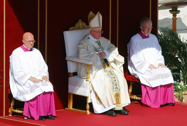 האפיפיור בטקס. צילום: רויטרס.