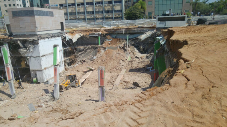 אתר הבנייה לאחר שקרס. צילום: דוברות המשטרה