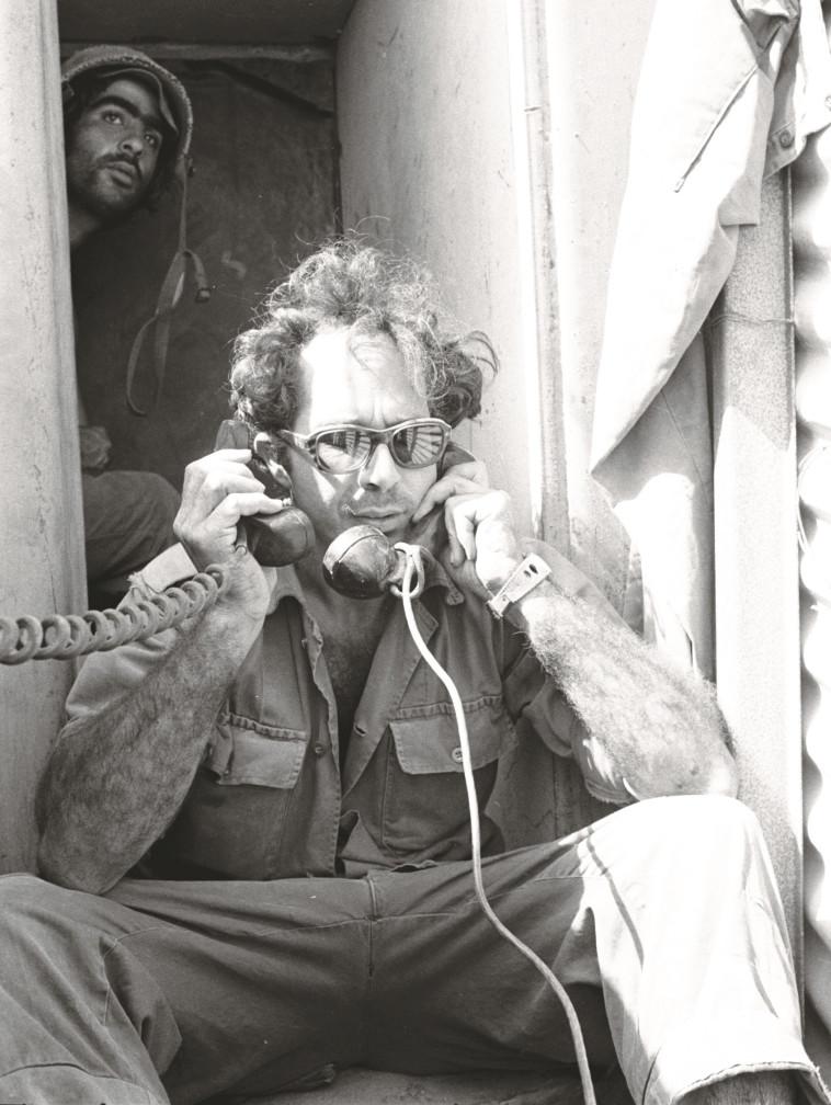 """מוטי אשכנזי, מפקד המוצב. צילום: מיכה בר-עם, באדיבות ארכיון צה""""ל"""