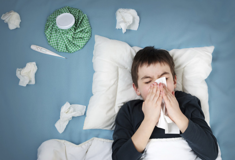 ילד חולה (צילום: istockphoto)